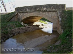Puente sobre río Pinarejo